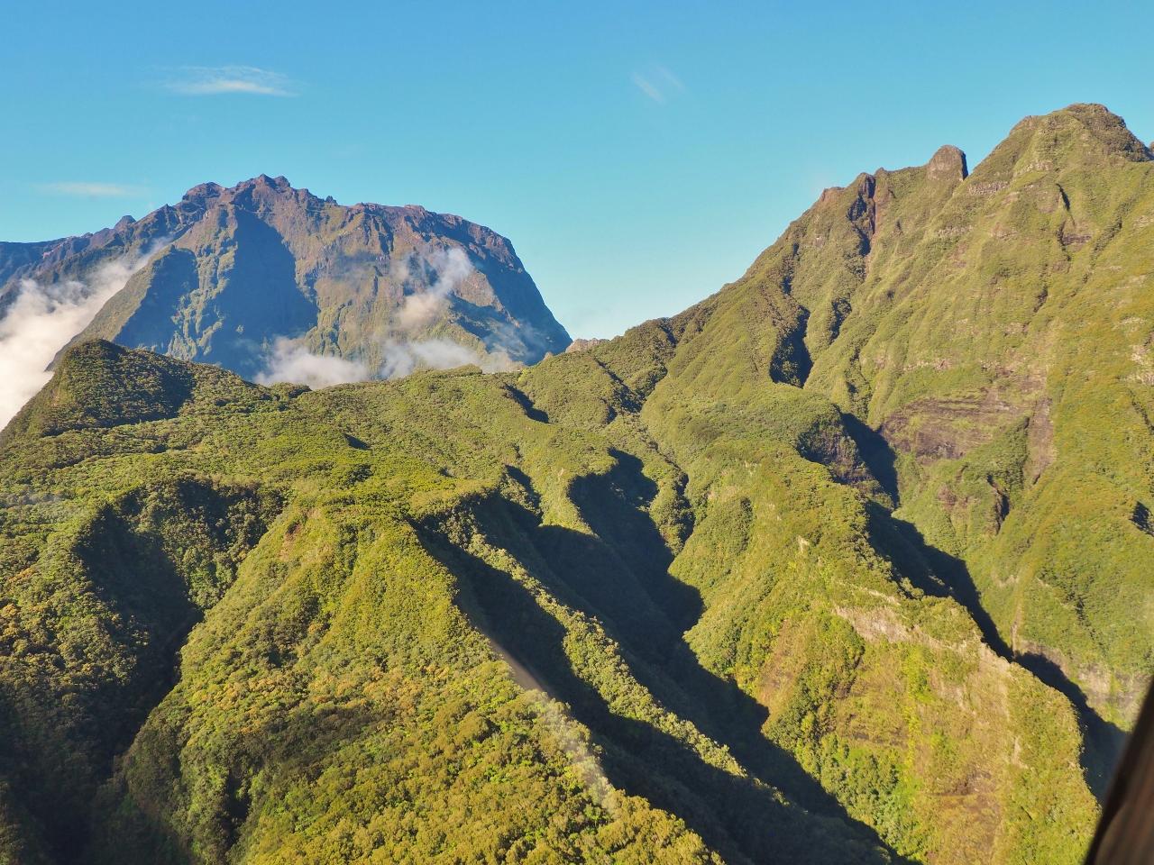 Les cirques à la Réunion depuis l'hélicoptère