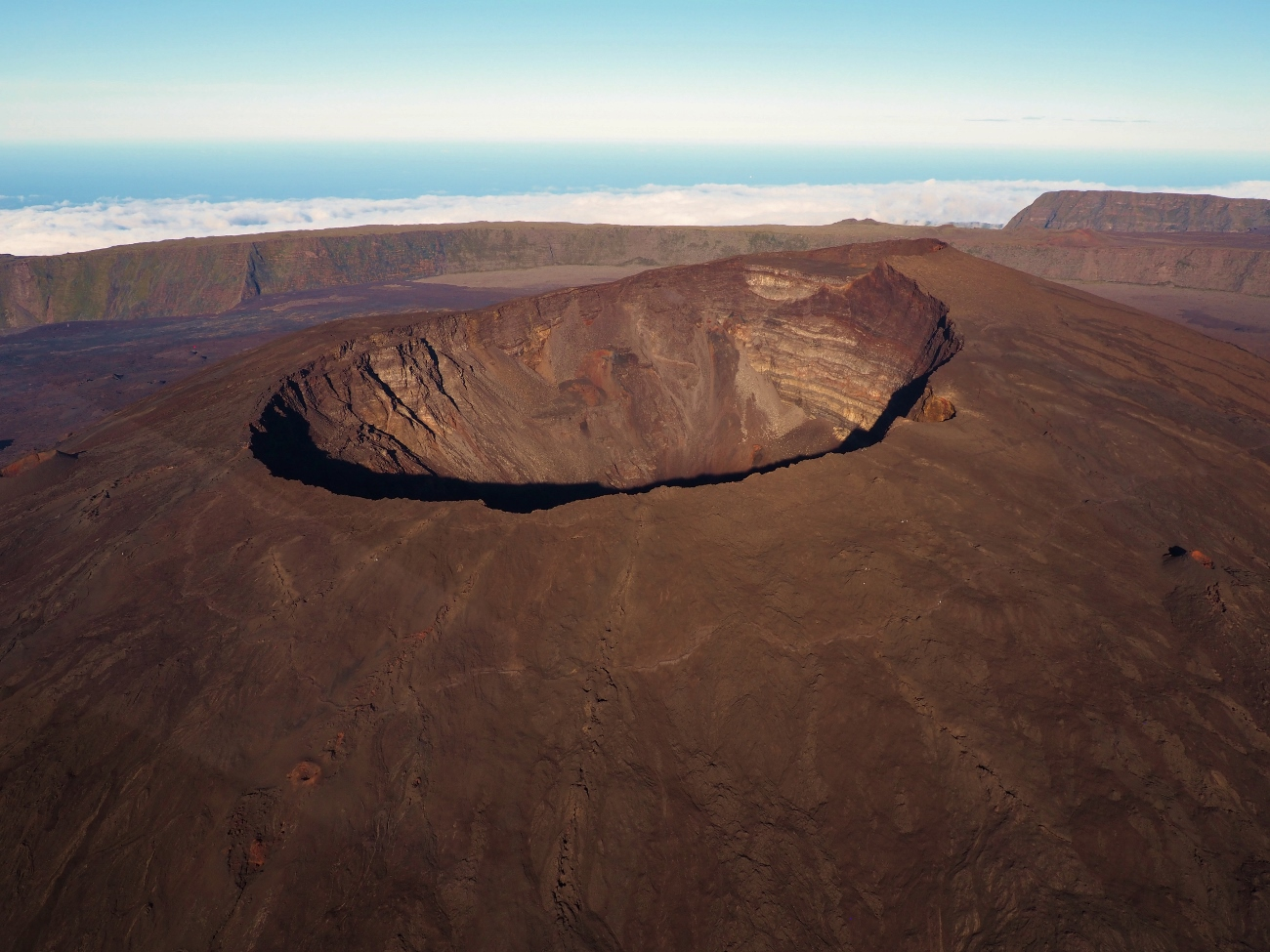 Le cratère Dolomieu du Volcan à la Réunion