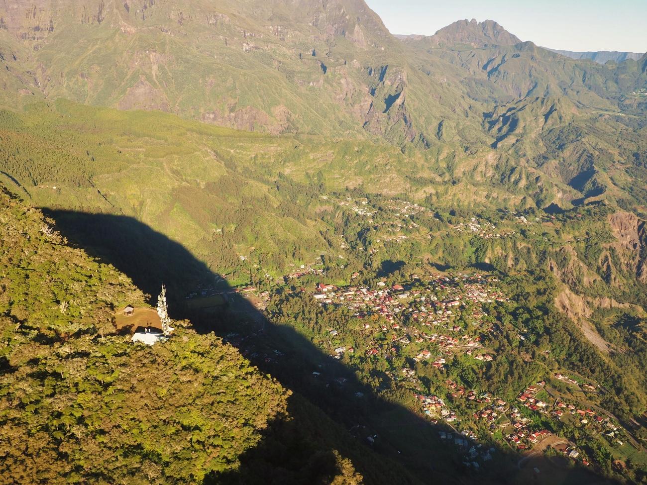 Hell Bourg vue depuis l'hélicoptère à la Réunion