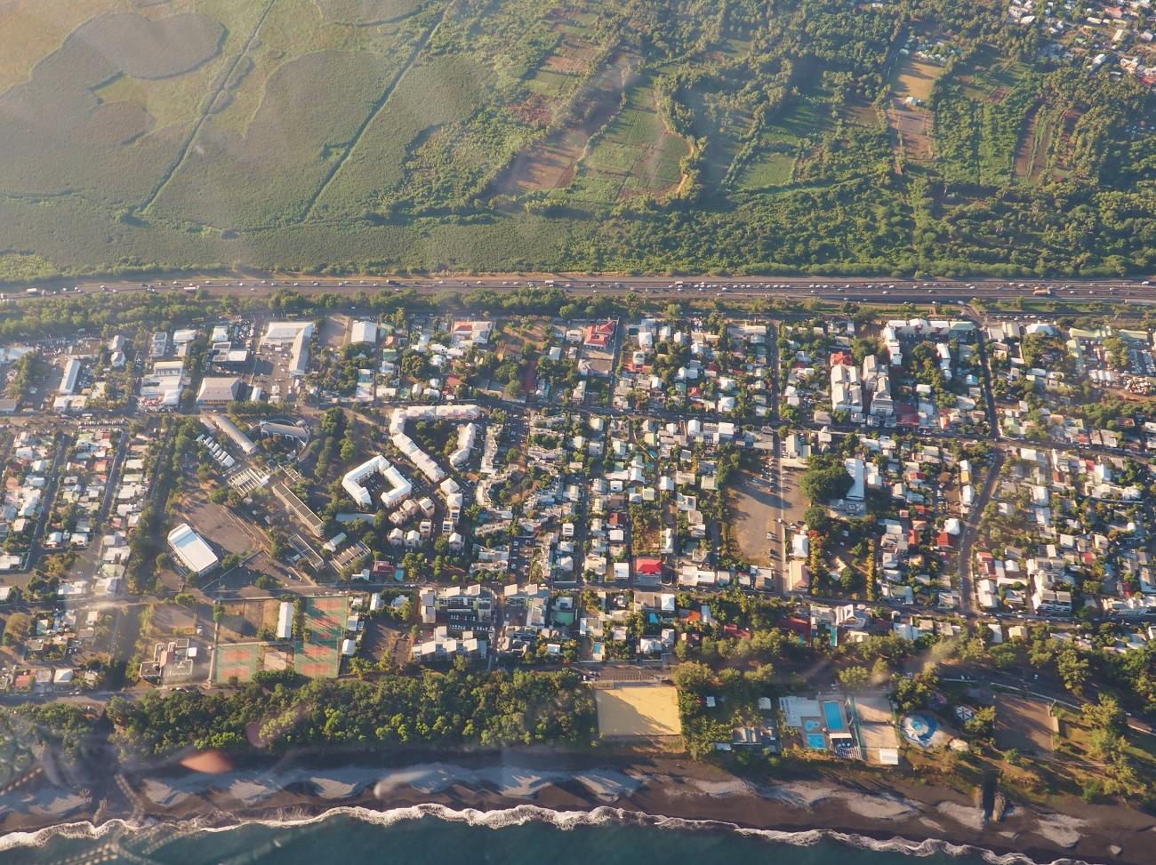 La ville de Saint-Paul et son front de mer