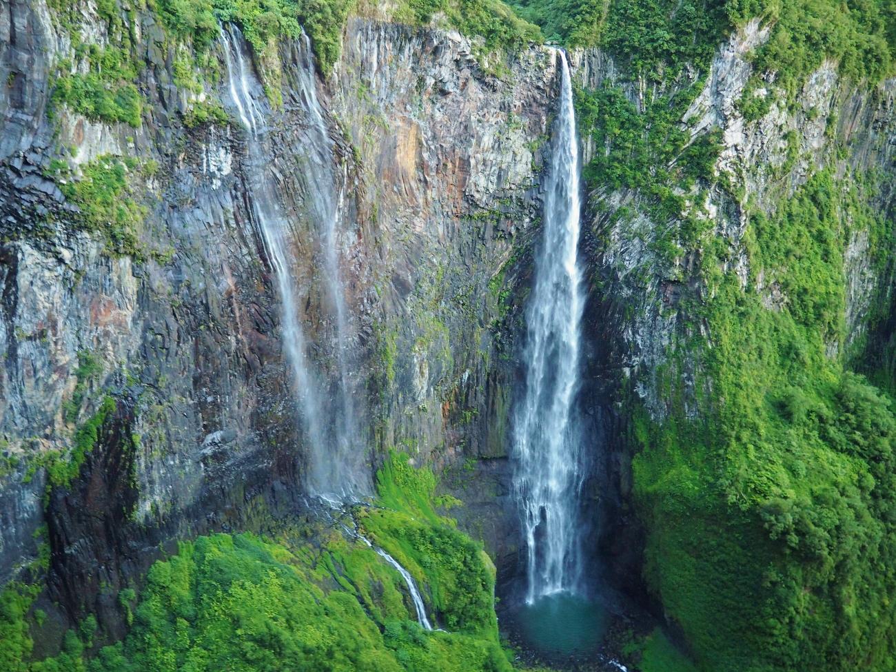 Le Trou de Fer depuis l'hélicoptère à la Réunion