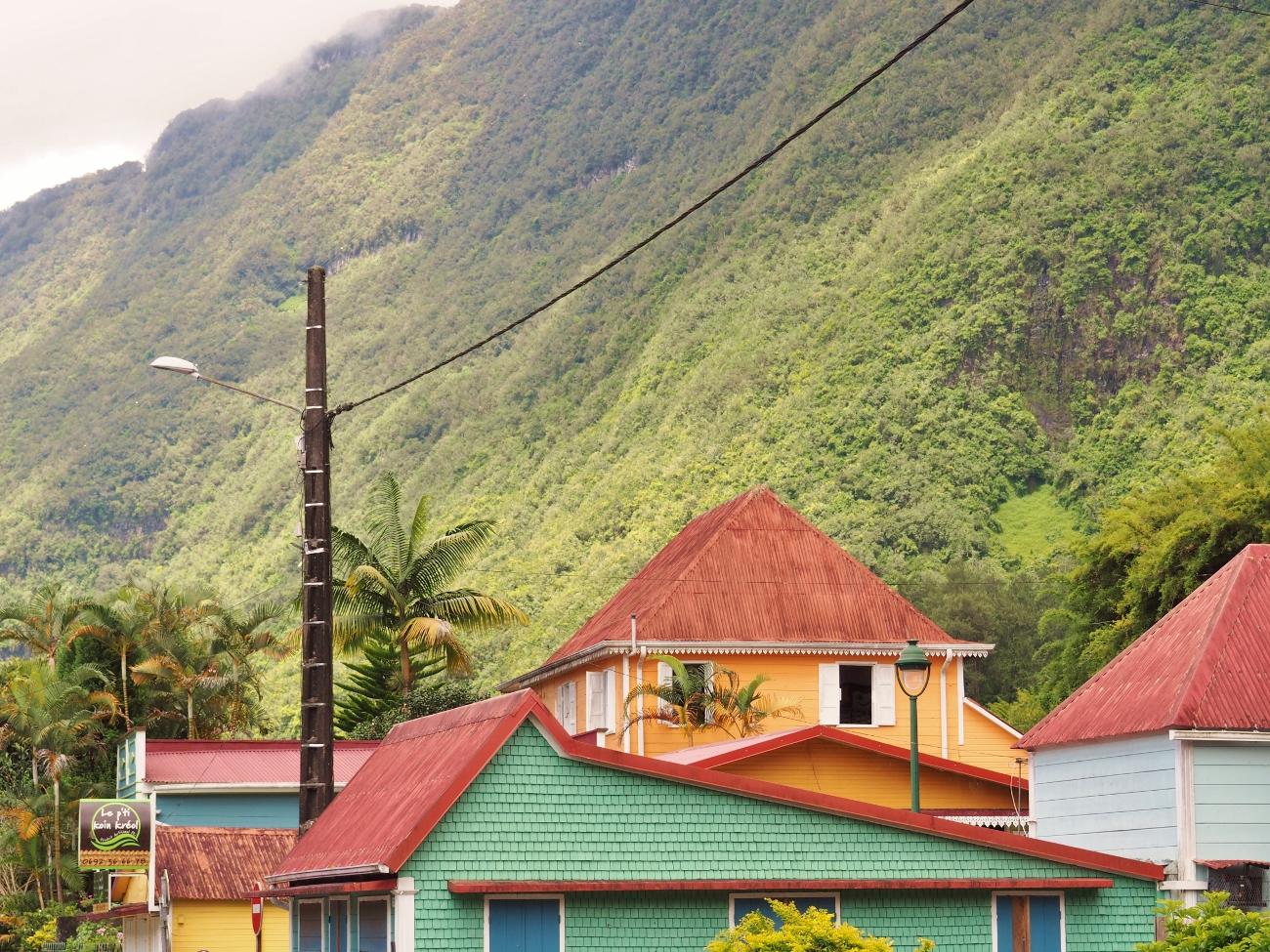 Les cases créoles du village Hell-Bourg