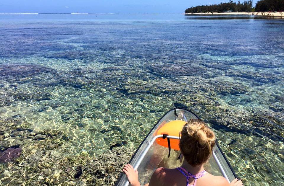 kayak transparent à la Réunion sur le lagon